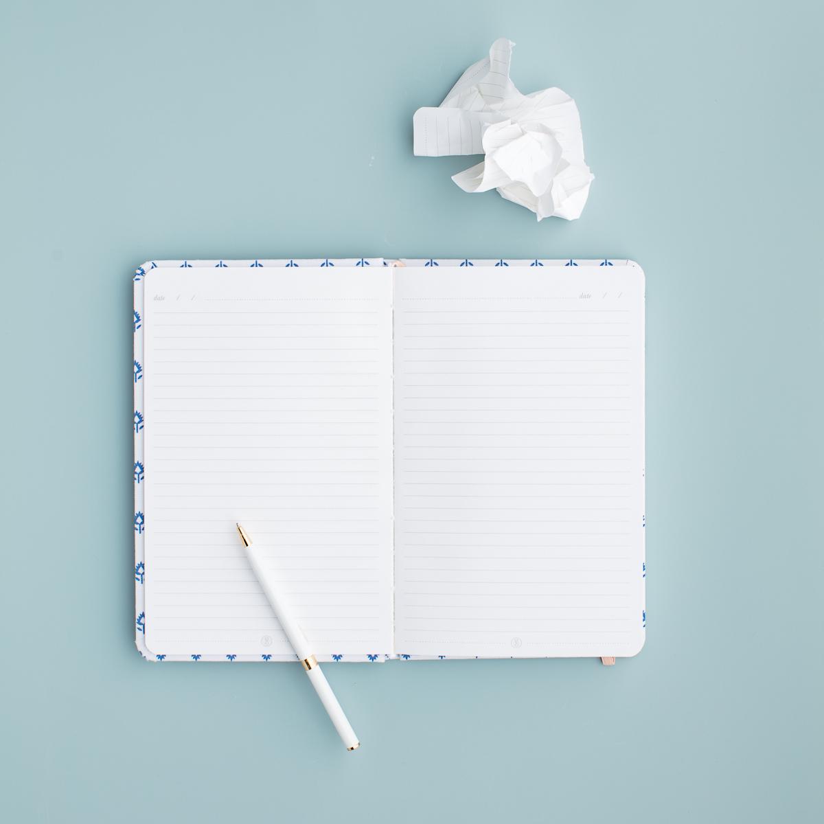 socialsquares_notewritingflatlays7.JPG