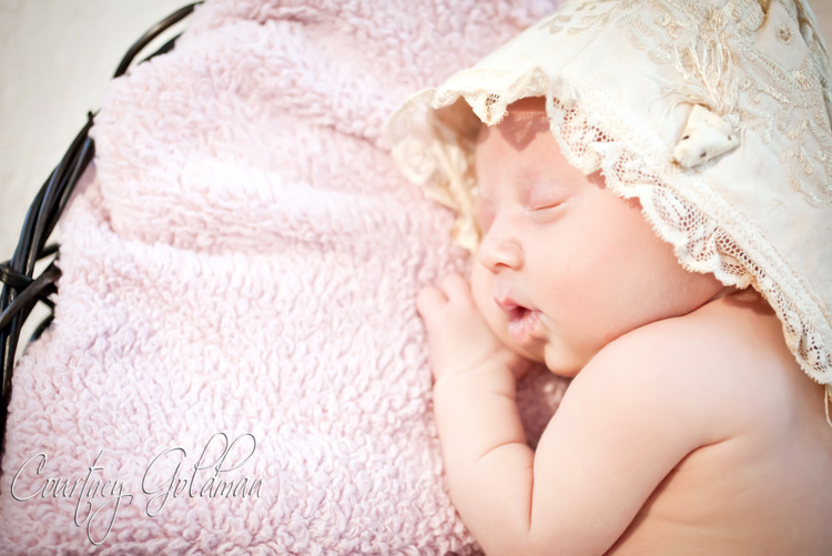 Newborn Baby Portrait Athens Regional Medical Center Courtney Goldman Photography (6)