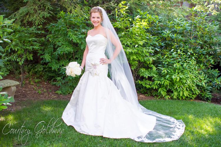 Old Edwards Inn Highlands North Carolina Wedding Courtney Goldman Photography (24)