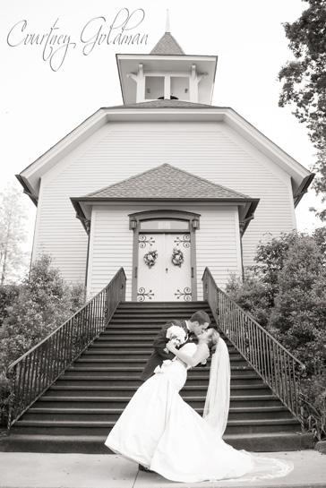 Old Edwards Inn Highlands North Carolina Wedding Courtney Goldman Photography (14)