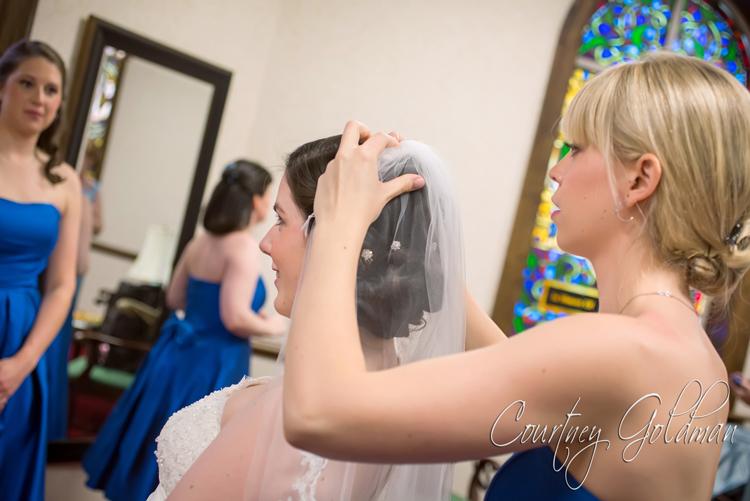 Photojournalism-Wedding-Photography-at-Holy-Spirit-Catholic-Church-in-Atlanta-by-Courtney-Goldman-08.jpg