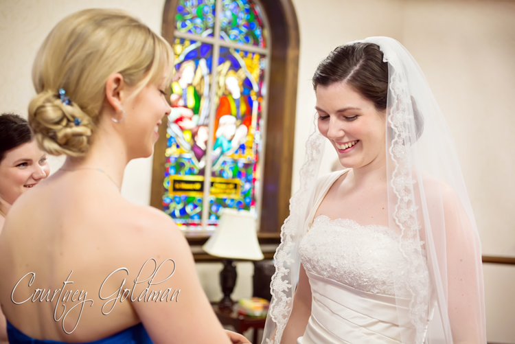 Photojournalism-Wedding-Photography-at-Holy-Spirit-Catholic-Church-in-Atlanta-by-Courtney-Goldman-09.jpg
