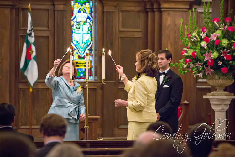 Wedding-Ceremony-at-Holy-Spirit-Catholic-Church-in-Atlanta-Georgia-by-Courtney-Goldman-Photography-02.jpg