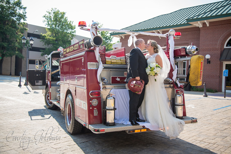 Athens-Wedding-Classic-Center-Firehall-Ceremony-Courtney-Goldman-Photography-12.jpg