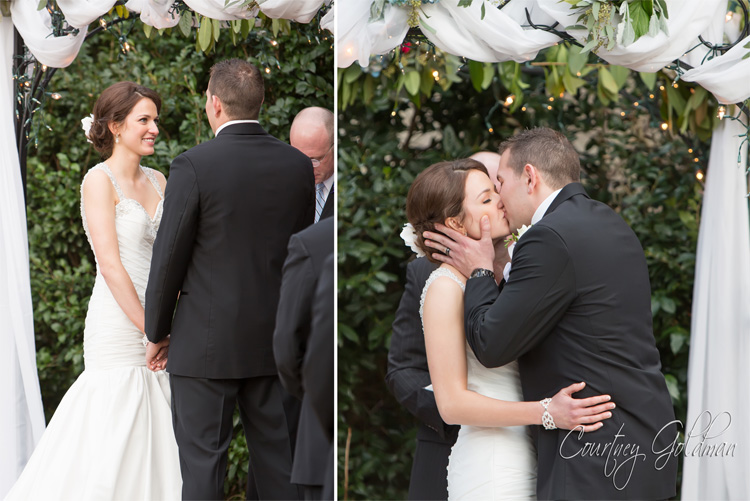 The-Thompson-House-and-Gardens-Wedding-Ceremony-in-Bogart-and-Athens-Georgia-by-Courtney-Goldman-Photography-20-Ceremony-Kiss.jpg