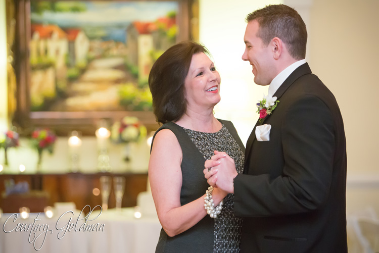 The-Thompson-House-and-Gardens-Wedding-Reception-in-Bogart-and-Athens-Georgia-by-Courtney-Goldman-Photography-34-mother-son-dance1.jpg