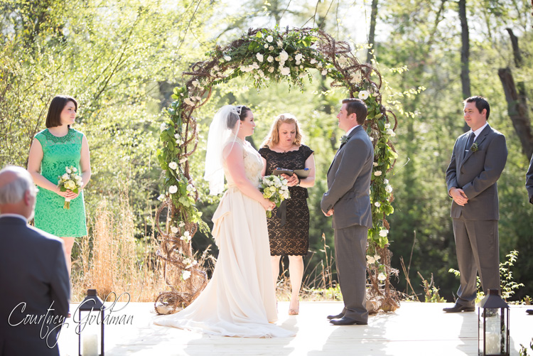 Athens-Georgia-Outdoor-Green-Spring-Wedding-by-Courtney-Goldman-Photography-09.jpg