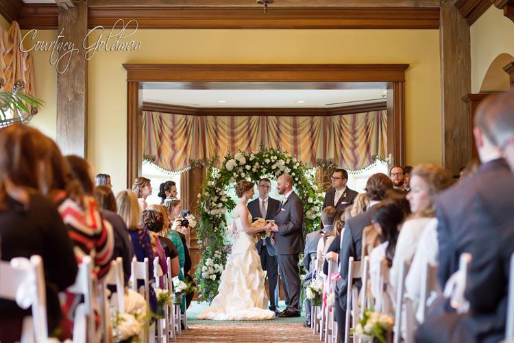 Indoor-Wedding-Ceremony-at-Ritz-Carlton-Lodge-Reynolds-Plantation-Lake-Oconee-Courtney-Goldman-Photography-02.jpg