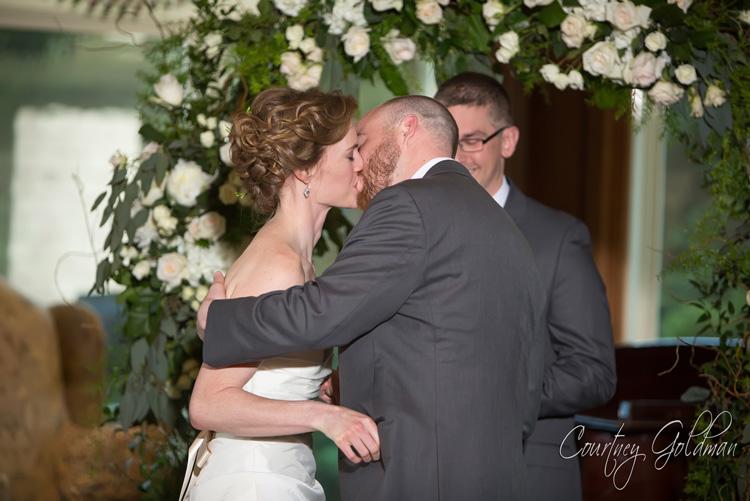 Indoor-Wedding-Ceremony-at-Ritz-Carlton-Lodge-Reynolds-Plantation-Lake-Oconee-Courtney-Goldman-Photography-08.jpg
