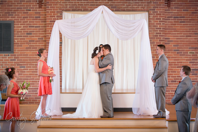 Wedding-Ceremony-at-Redeemer-Presbyterian-Church-in-Athens-Georgia-by-Courtney-Goldman-Photography-15.jpg