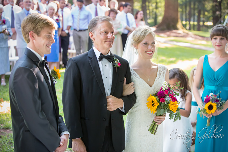 Summer-Outdoor-Wedding-at-The-John-Oliver-Michael-House-in-Statham-and-Athens-Georgia-by-Courtney-Goldman-Photography-15.jpg