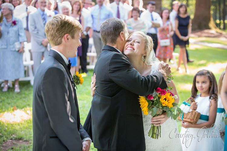 Summer-Outdoor-Wedding-at-The-John-Oliver-Michael-House-in-Statham-and-Athens-Georgia-by-Courtney-Goldman-Photography-17.jpg