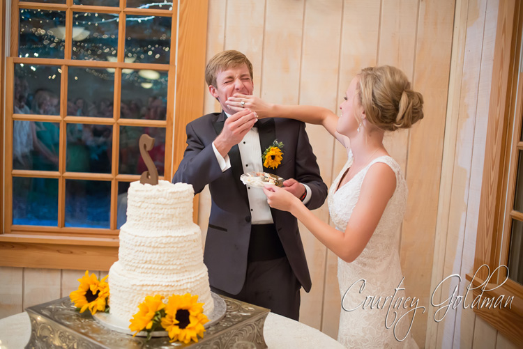 Summer-Reception-in-The-Barn-at-The-John-Oliver-Michael-House-in-Statham-near-Athens-Georgia-by-Courtney-Goldman-Photography-102.jpg