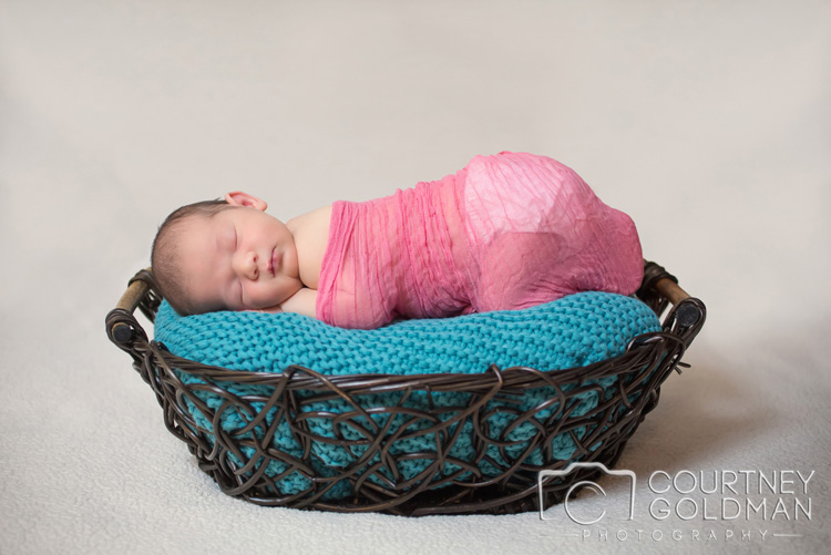 Newborn-Family-Session-in-Atlanta-Georgia-by-Courtney-Goldman-Photography-5.jpg
