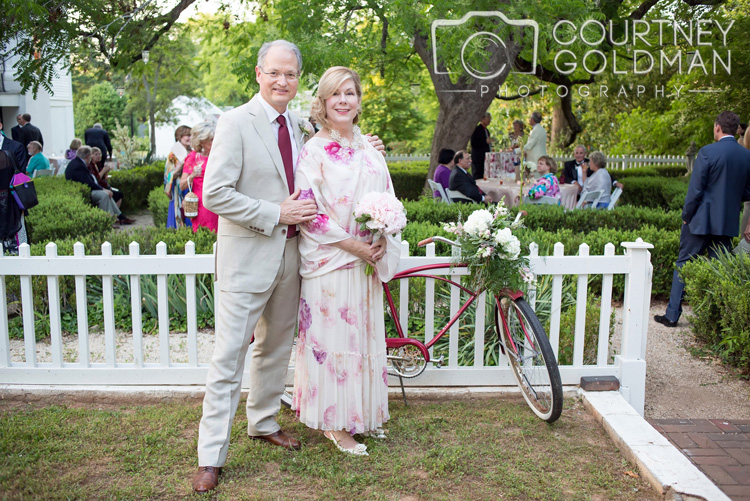 Taylor-Grady-House-Wedding-in-Athens-Georgia-by-Courtney-Goldman-Photography-10.jpg