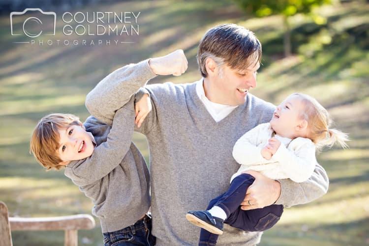 Fall-Family-Portrait-Session-at-Winn-Park-in-Ansley-Park-in-Atlanta-Georgia-by-Courtney-Goldman-Photography-06.jpg