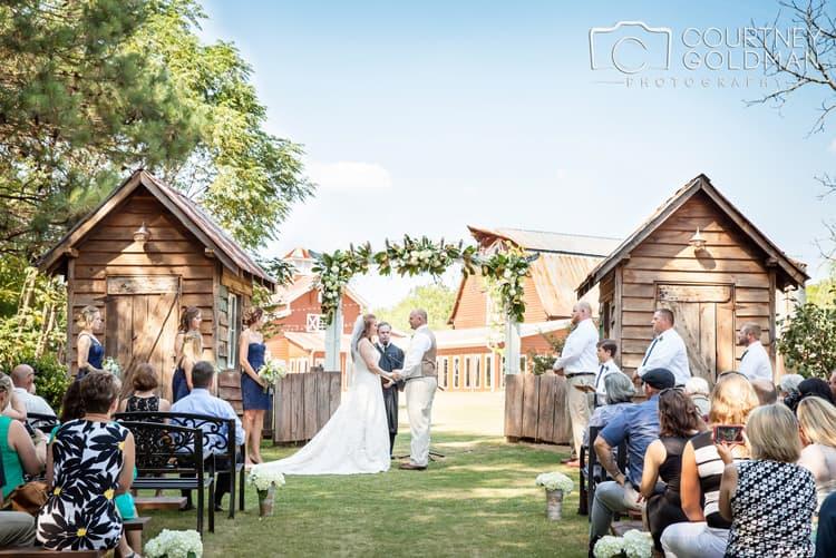 barn-wedding-at-9-oaks-farm-in-monroe-georgia-by-courtney-goldman-photography-56