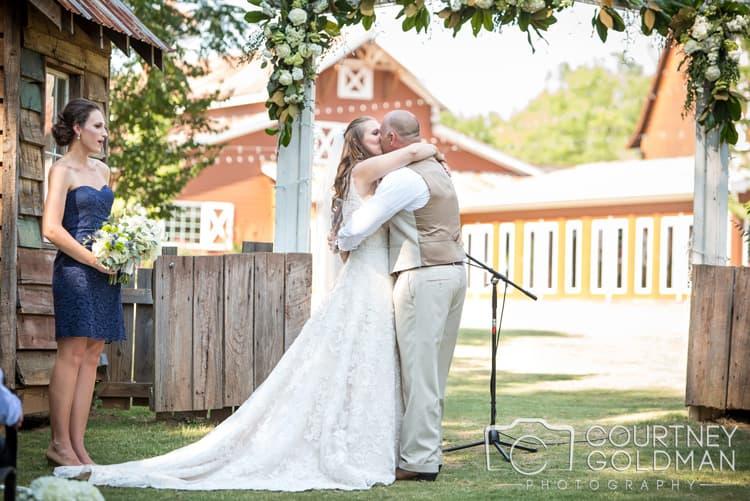 barn-wedding-at-9-oaks-farm-in-monroe-georgia-by-courtney-goldman-photography-58