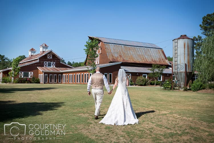 barn-wedding-at-9-oaks-farm-in-monroe-georgia-by-courtney-goldman-photography-63