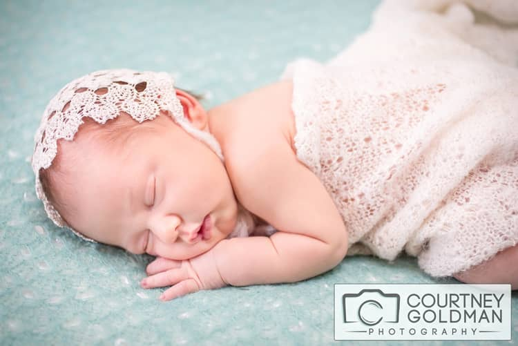 Newborn-Baby-and-Family-Portrait-Session-in-Alpharetta-Georgia-by-Courtney-Goldman-Photography-32.jpg