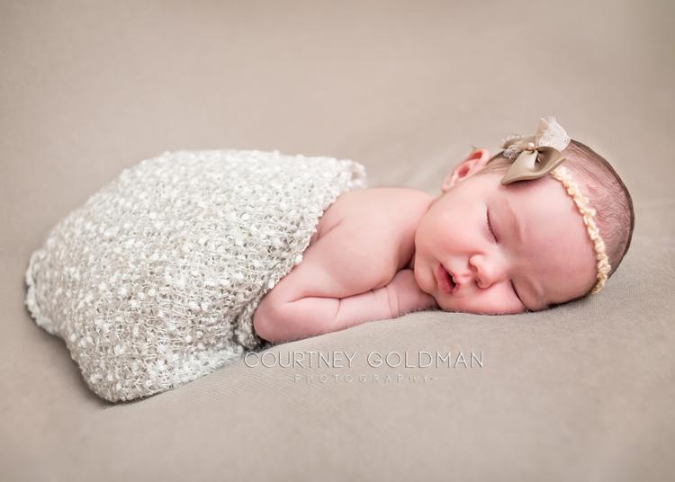 Atlanta-Fresh-48-and-newborn-portrait-photography-by-Courtney-Goldman-205.jpg