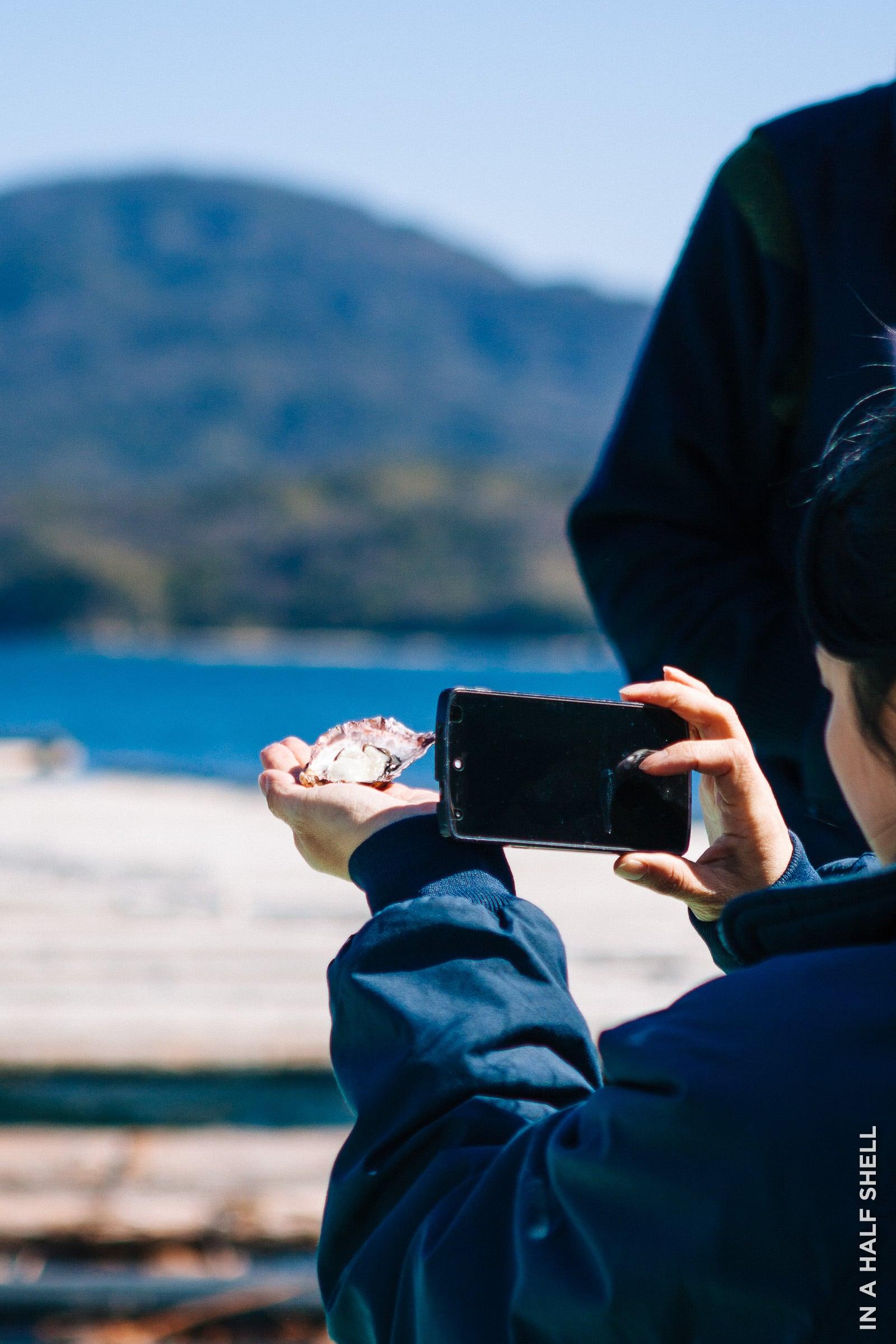 InAHalfShell-2014-HiroshimaOysterFarm-14.jpg