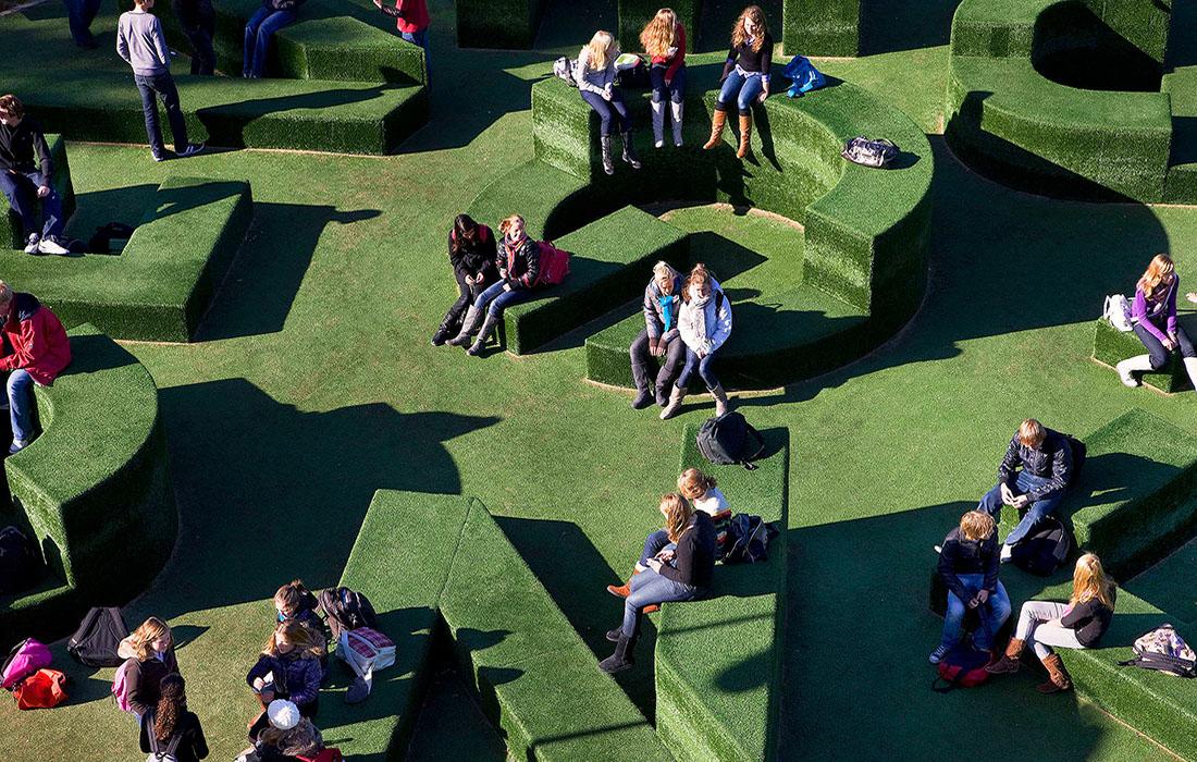 evergreen typographic garden   carmel college de thij oldenzaal, nl   studio vollaerszwart