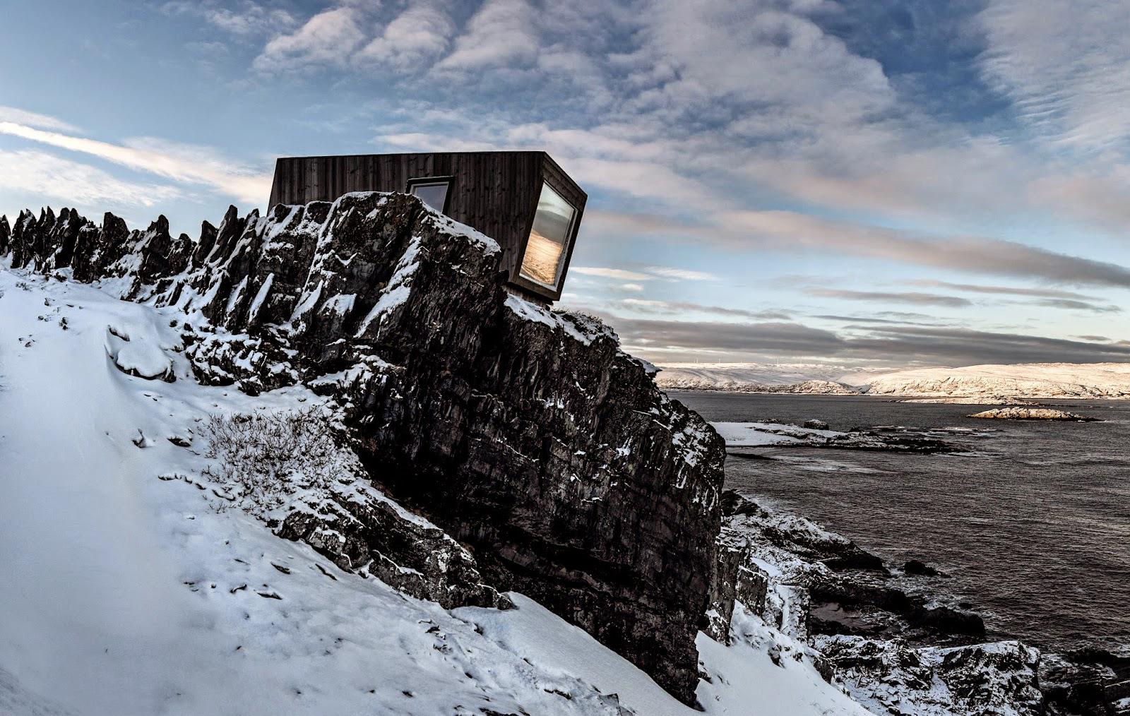 kongsfjord bird hide/wind shelter  northern varanger peninsula, arctic no   biotope
