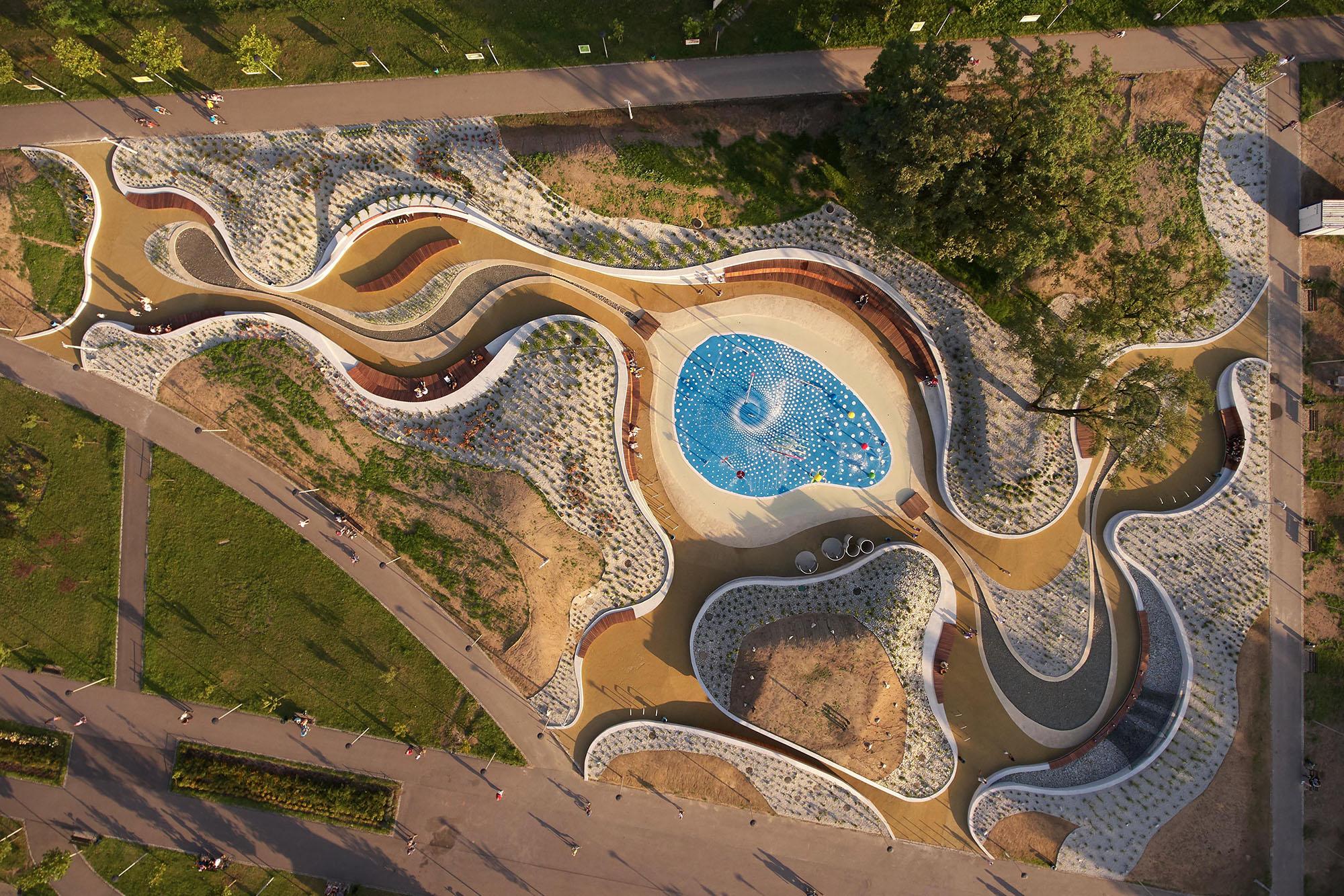 jaworznicki plant water playground  tychy, pl   rs+ design studio photo credit: tomasz zakrzewski