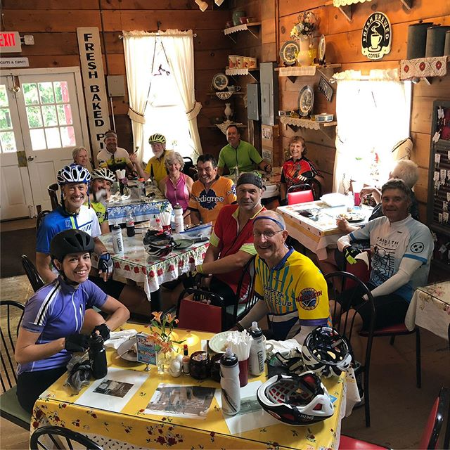 No rain was stopping us from our cinnamon roll mission @marcyjosbakery. Despite the initial rain, it was a great morning to ride. #harpethbikeclub #survivingtheelements #freedonutplease