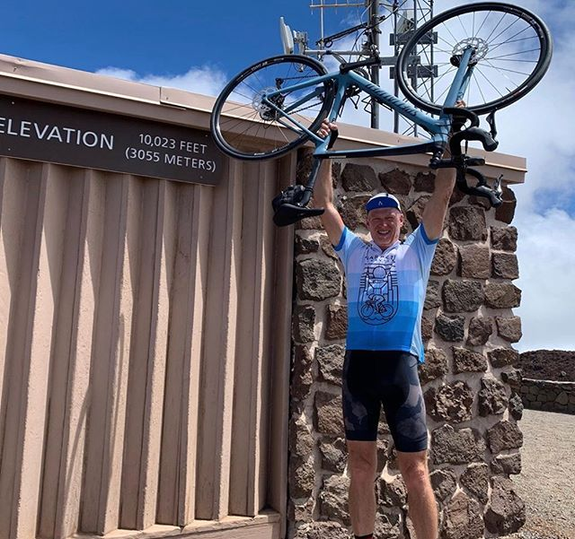 We are proud of our club mate @barrygraul for summiting Haleakalā last week while sporting his HBC jersey! Congrats, Barry! #harpethbikeclub #climbinginspiration #10,023ft!