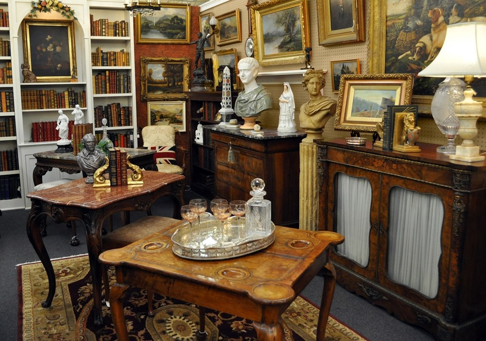 English-American-and-Continental-antiques.jpg
