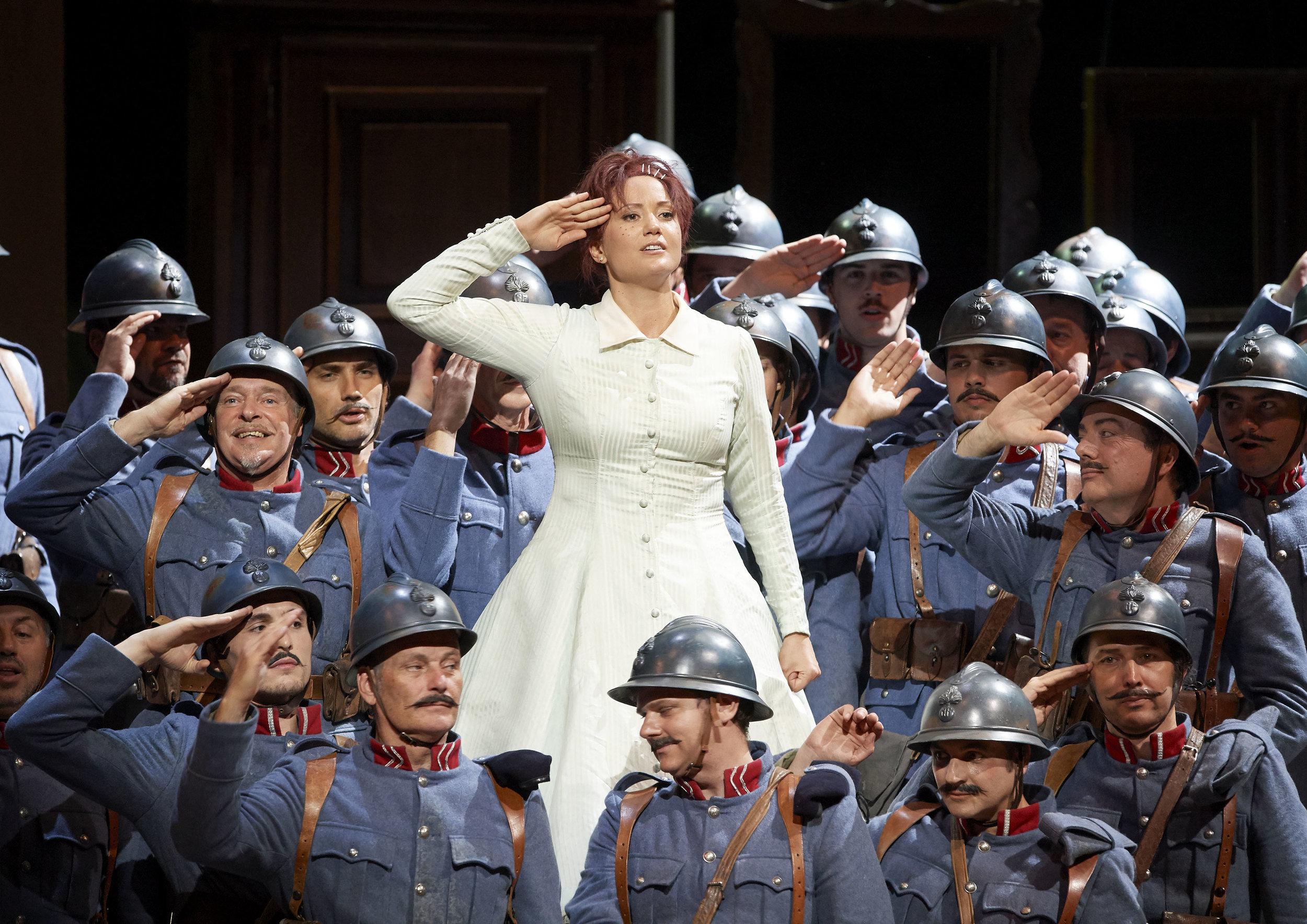 5-la_fille_du_regiment_credit_wiener_staatsoper_michael_poehn.jpg