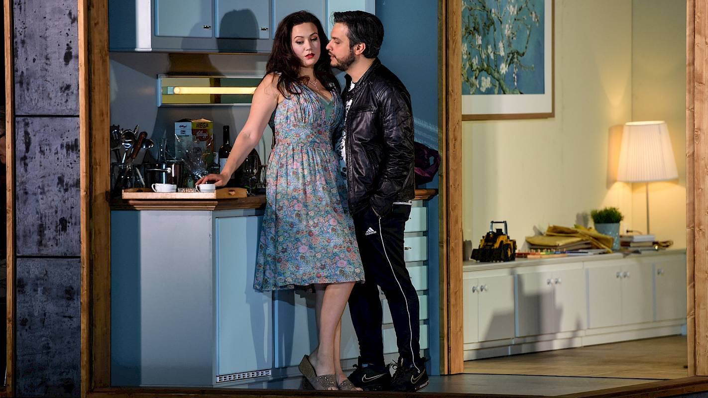 Julie Fuchs and Nahuel di Pierro in 'Il turco in Italia' at Opernhaus Zürich
