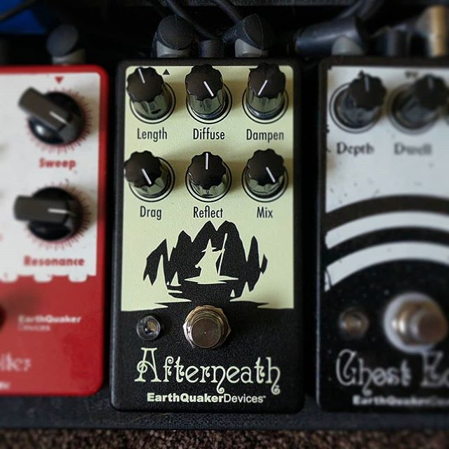 Latest addition to the board, best present ever?  #earthquakerdevices #effectspedals #reverb #pedalboard #afterneath #stompbox