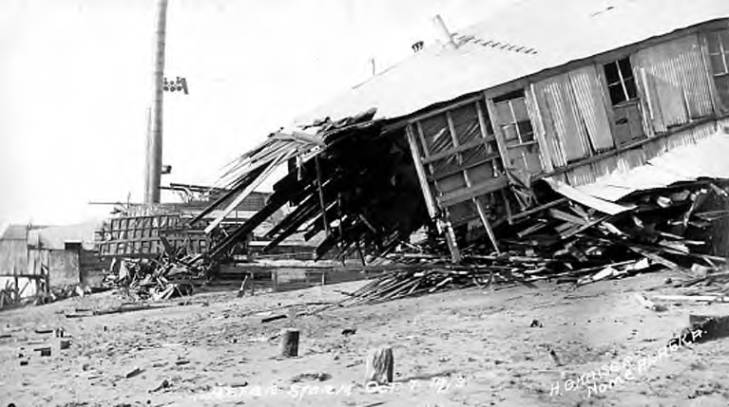 Nome, Alaska devastation after a big storm, October 7, 1913.jpg