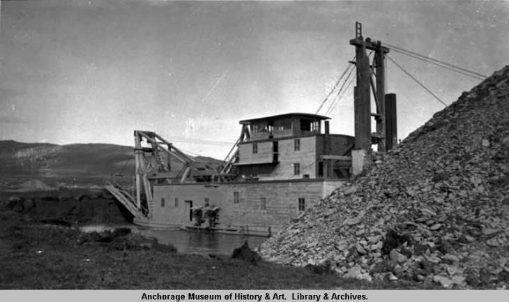 Wonder dredge, Nome. 1909.jpg