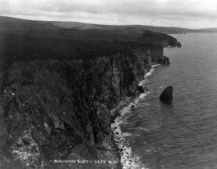 Blackchief Bluff, near Bluff, Alaska, between 1910 and 1920.jpg