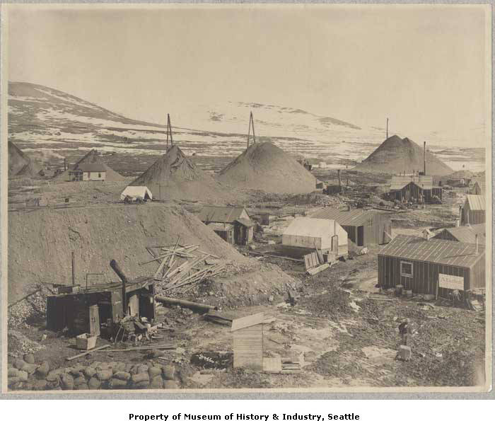 Cabins and mining activities near Nome, ca. 1905.jpg