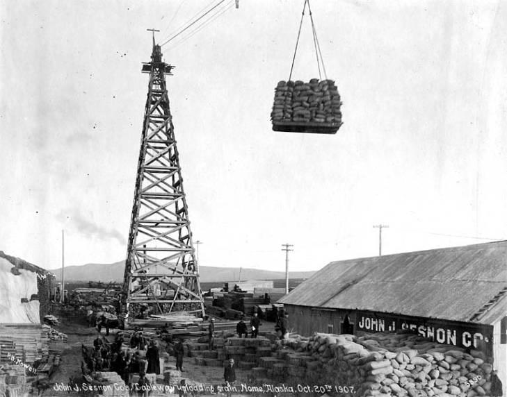 John J. Sesnon Company cable unloading grain, Nome, Alaska, October 20, 1907.jpg