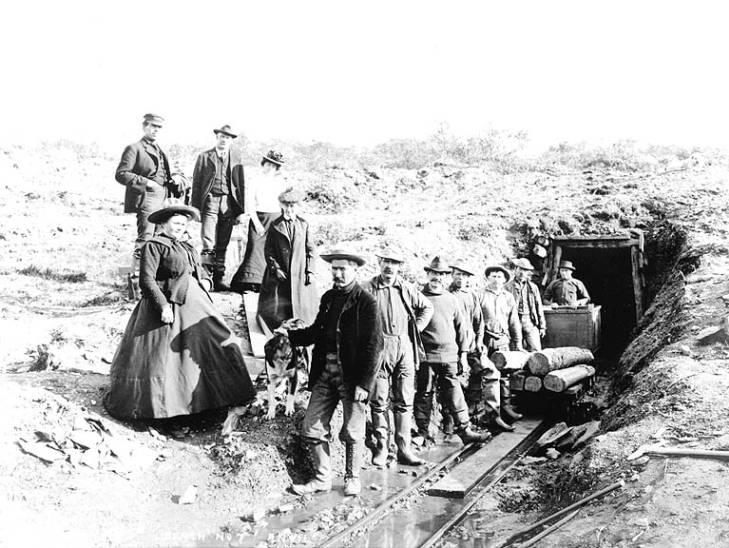 Miners working the No. 7 bench claim, Anvil Creek, Alaska, ca. 1900..jpg