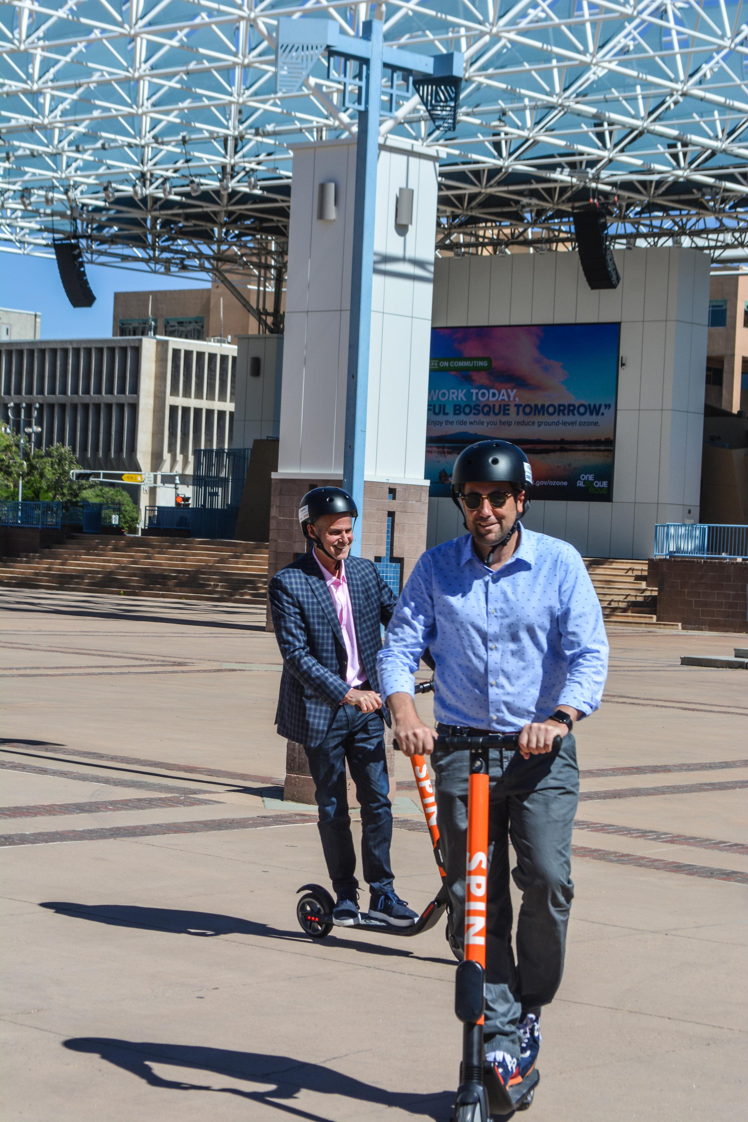 Zagster CEO Dan Grossman and Albuquerque City Councilor Pat Davis