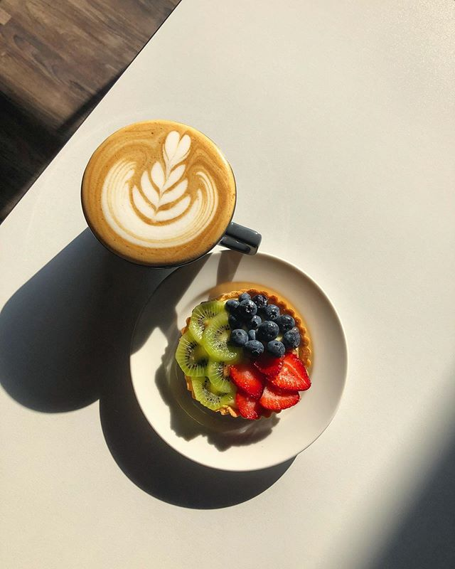 Want. All the Art. . . Those fruit tarts are amazing! The coffee... you already know 👌. . Photo & Coffee by @sampkcallaway #Team392