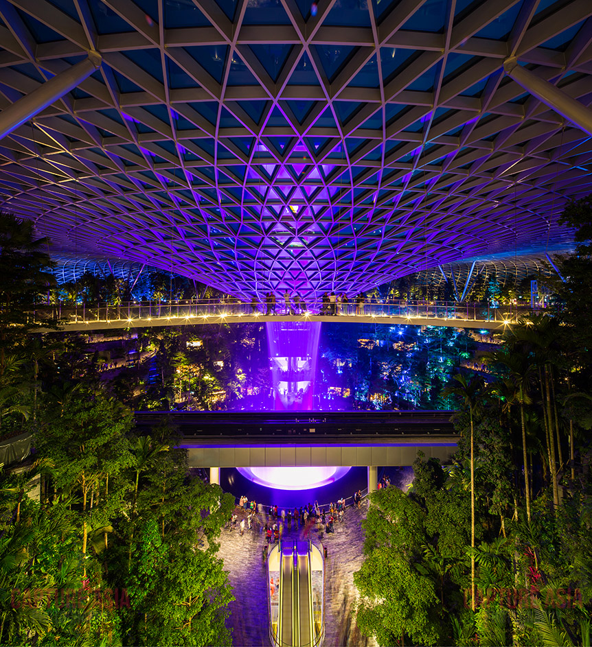 Jewel-Changi-Airport-Night-Scene