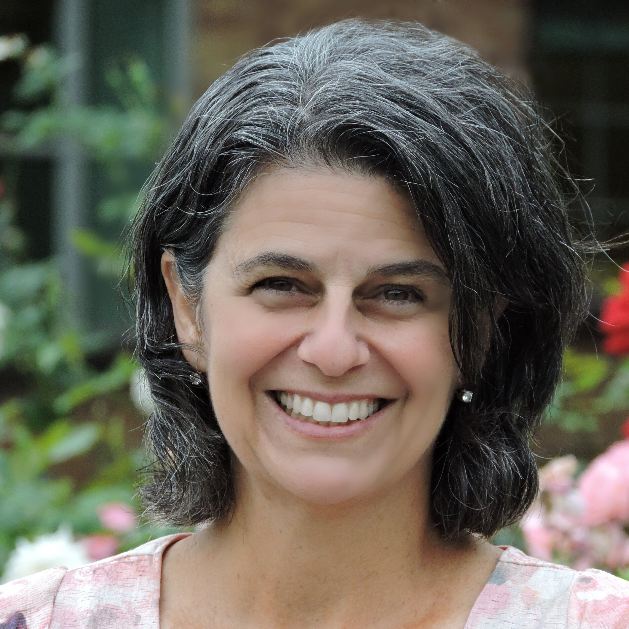 Liliana Lengua |  Professor, Director of the UW Center for Child and Family Well-being   Workshop : A Holistic Approach to Cultivating Resilience in Families