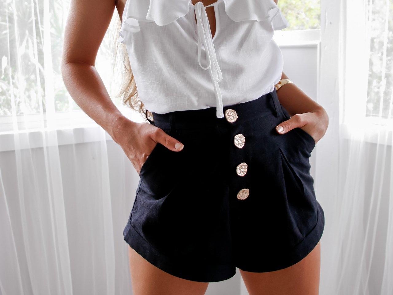 ollie_cami_white_capri_shorts_black_12_of_15_1__69318_2000x.jpg