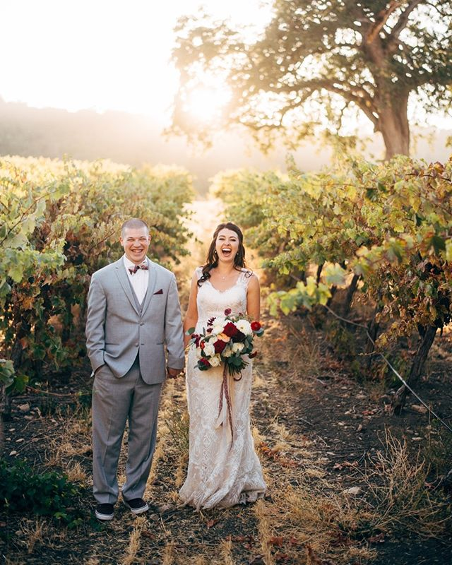 Fall is the perfect season for a vineyard wedding! Cheers to S+K on their perfect October day 🥂💛@hammersky_vineyards @lc_floral #fallweddings #hammersky #fallseason #pumpkinspice