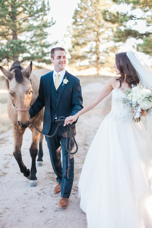 equestrian-ranch-wedding-01.jpg