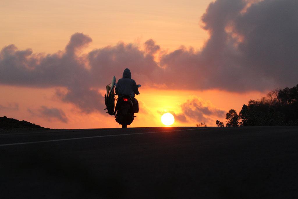 Sunrise_surf.jpg