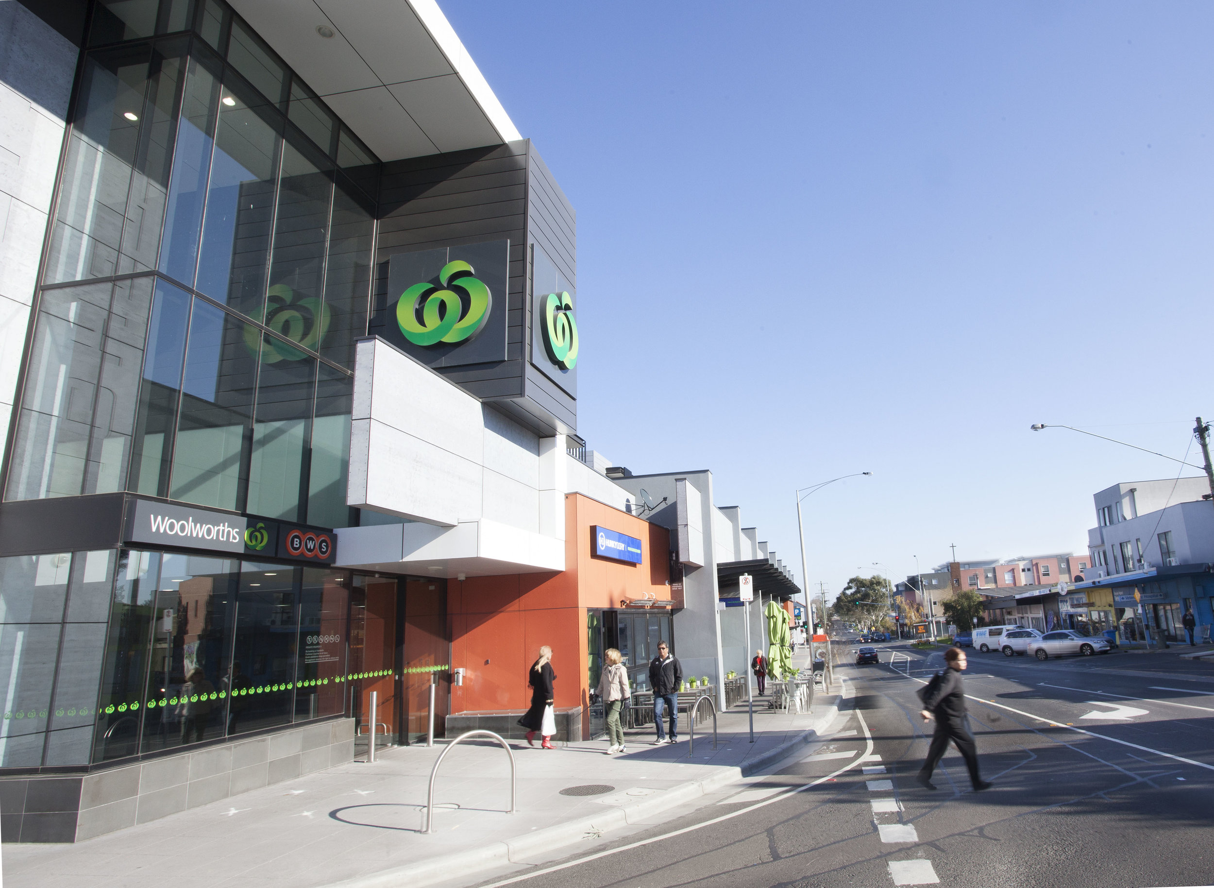 8 - Nearby Woolworths.jpg